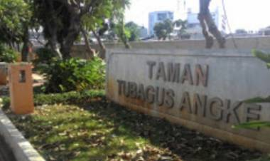 Rusak Keindahan Taman, Anies Ditantang Tertibkan Prostitusi Kotak Sabun di Pesing