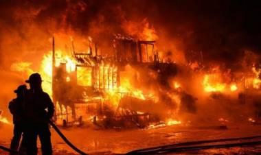 16 Lokal Pesantren Riyadul Jannah Ludes Terbakar