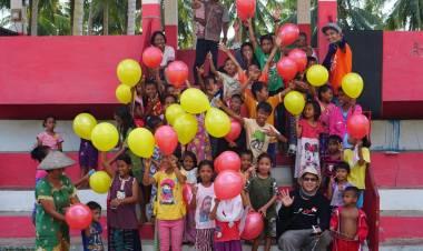 Ajak Selfie dan Menggambar, Relawan PWI dan SMSI Babel Hibur Anak-anak Pengungsi