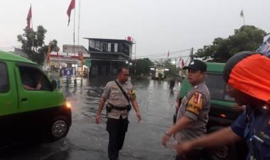 Tiap Musim Penghujan Selalu Banjir, Warga : Pemkot Tangerang Ngapain Aja Kali..?