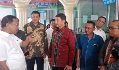 Kunjungi RS Balige, Ketua Tim Komunikasi Prabowo Dapat Curhatan Pengurus