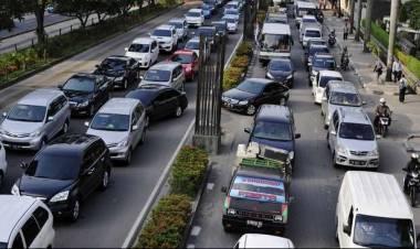 Warga Jakarta Hobi Beli Mobil Tapi Ogah Bayar Pajak