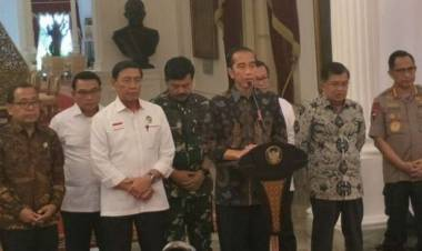 Situasi Aman Terkendali, Jokowi Perintahkan Polisi Tindak Tegas Perusuh
