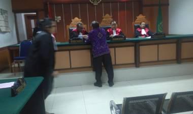 Pukul Nenek-nenek Pelaku Divonis 1 Bulan, Korban Kecewa Putusan Hakim PN Jakbar