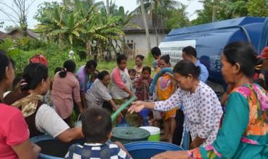 Antipasi Kemarau, PDAM TKR Kirim Truk Tangki Air Bersih ke Masyarakat