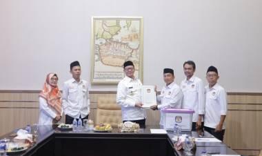 Teken Dokumen 85 Anggota DPRD Banten Baru, Gubernur WH : Biar Segera Dilantik