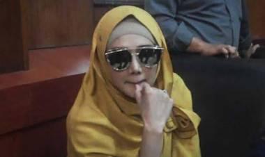 Kacamata Gucci Kena Semprit KPK, Begini Penjelasan Mulan Jameela