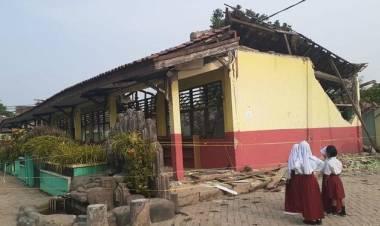 SD Negeri 2 Malang Nengah yang Ambruk Diterjang Angin Bakal Direnovasi