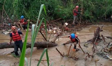 Masuk Musim Hujan Kali Angke Tangsel Makan Tumbal, Bocah Hanyut 2 Hari Belum Ditemukan