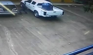Hati-hati...Aksi Pecah Kaca Mobil Terjadi Di Cikupa, Puluhan Juta Raib