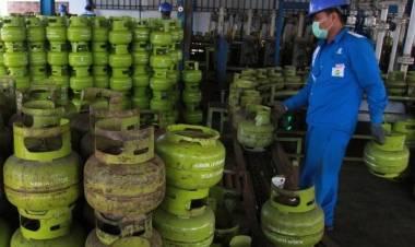 Emak-emak Hingga Penjual Nasi Goreng Siap-siap Menjerit, Subsidi Ditarik Gas Melon Naik Harga