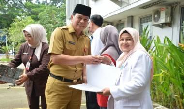 Pemkab Tangerang Ganjar Penghargaan Empat Pegawai RSUD Balaraja
