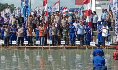 Panglima TNI dan Kapolri Tanam Ribuan Mangrove dan Sebar Benih Ikan di Pesisir Pantai Tangerang