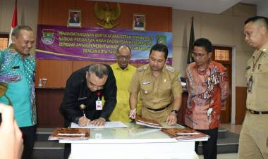 TUNTAS!!! Zaki Serahkan Aset, Walikota Tangerang : Ini Kado Manis HUT Ke-27