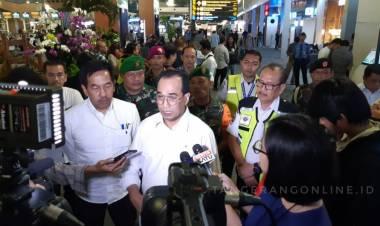 Ribuan Jamaah Umroh Tertahan, Menhub Cek Bandara Soetta