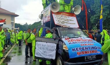 Aksi Damai ke DPRD Kota Tangerang, Petugas Ground Handling Bandara Soetta Ngaku Tak Dapat Uang Makan dan Transport