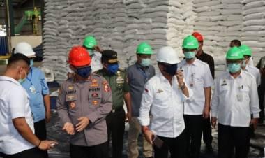 Dear Warga Banten, Lapor Polisi Jika Ada Pedagang Jual Gula Harga Diatas Rp 12,500/kg