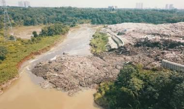 Sheet File TPA Cipeucang Tangsel Jebol, Sampah Hampir Membendung Sungai Cisadane