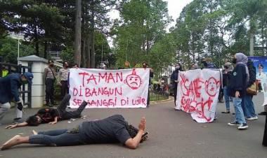 Kabar Markas Kesenian Bagi Anak Yatim dan Warga Kurang Mampu Bakal Digusur, Mahasiswa UNIS Orasi Budaya ke Puspemkot Tangerang