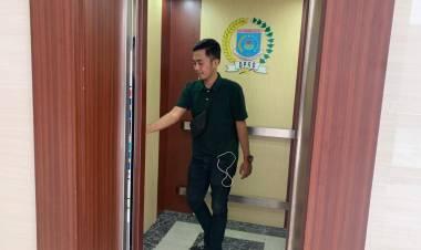 Sekertariat DPRD Tangsel Bungkam Ditanya Biaya Dekorasi Lift, Muncul Lagi Anggaran Pengadaan Alat Musik Capai Ratusan Juta Rupiah