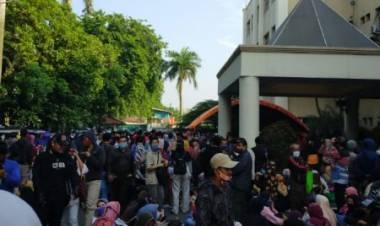 Ratusan Pelaku UMKM Kota Tangerang Rela Tanpa Jaga Jarak, Bakal Jadi Cluster Baru Nih?