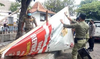 Tertibkan Spanduk Ilegal, Kapolda Banten : Bukan Hanya Spanduk Habib Rizieq Shihab (HRS)