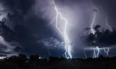 Menjelang Musim Hujan, Ini Tips Agar Rumah Tidak Jadi Sasaran Petir
