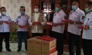 DPRD Kota Tangerang Serahkan Herbalvid-19 Untuk Pasien Corona