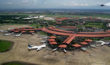 Lakukan Inspeksi ke Bandara Soetta, Menhub : Kami Pastikan Pesawat Take Off Dalam Kondisi Baik