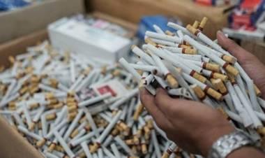 Kerugian Negara Capai Ratusan Juta, Pelaku Penjual Rokok Ilegal Diserahkan ke Kejari Tangerang