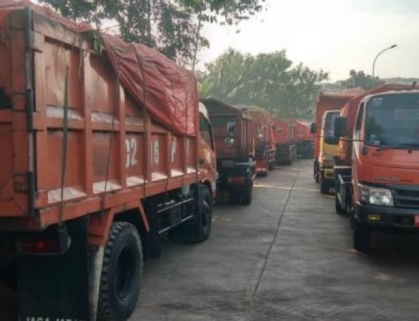 Anies Diprotes Supir Truk Sampah, Minta Pimpinan Dinas LH DKI Diganti