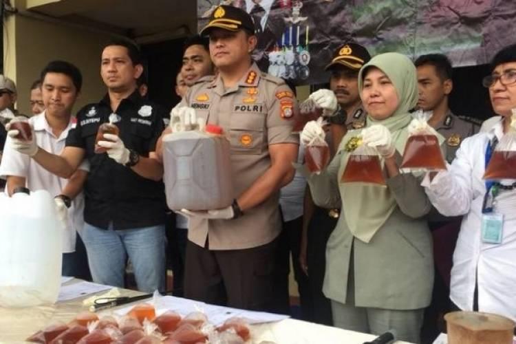 Polisi Bekuk Penjual Miras Oplosan, Yang Sebabkan Warga Cengkareng Tewas