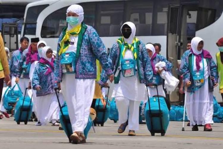 Pelepasan Kloter Pertama Jamaah Haji Asal Banten Diiringi Shalawat