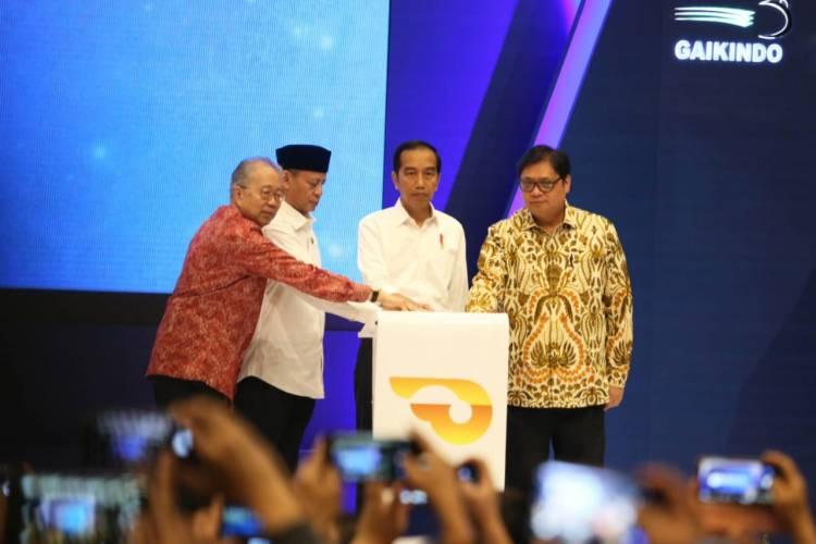 Didampingi Gubernur Banten, Presiden Buka Gaikindo di ICE Serpong BSD