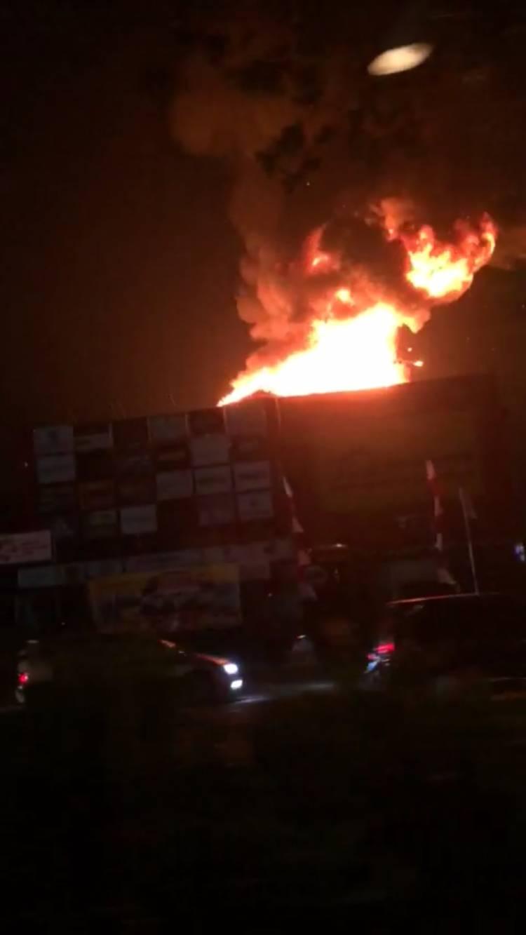 BJ Home Kebakaran, Ditaksir Rugi Ratusan Miliar