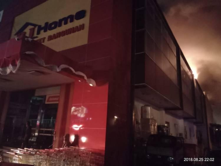Kebakaran di Supermarket Elit BJ Home BSD City Akhirnya Padam Setelah 9 Jam
