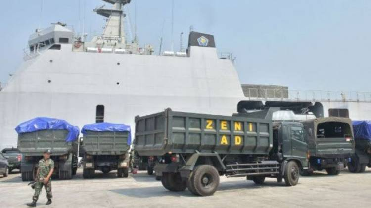 Pembersihan Puing Ditarget Sebulan, TNI Kirim Alat Berat ke Lombok