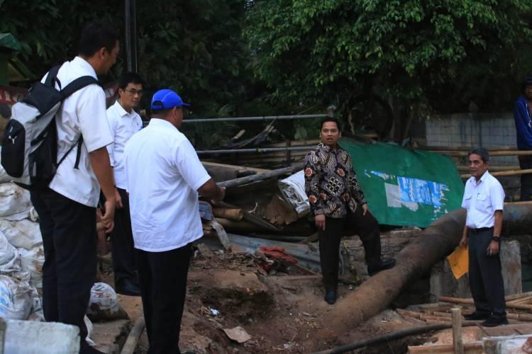 Jelang Magrib, Arief Lakukan Safari Pembangunan