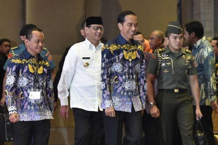 'Kode-kode' WH Untuk Jokowi, Ada Apa?