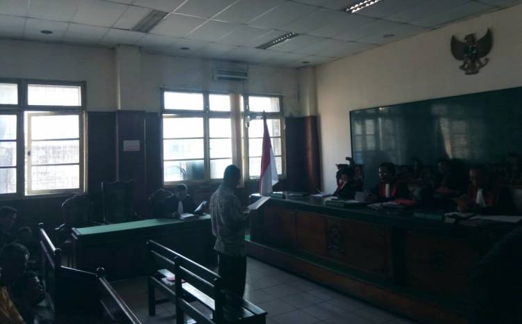 Dituntut 1 Tahun 6 Bulan Penjara, Terdakwa  Penyerobotan Lahan di Pulau Pari Keberatan