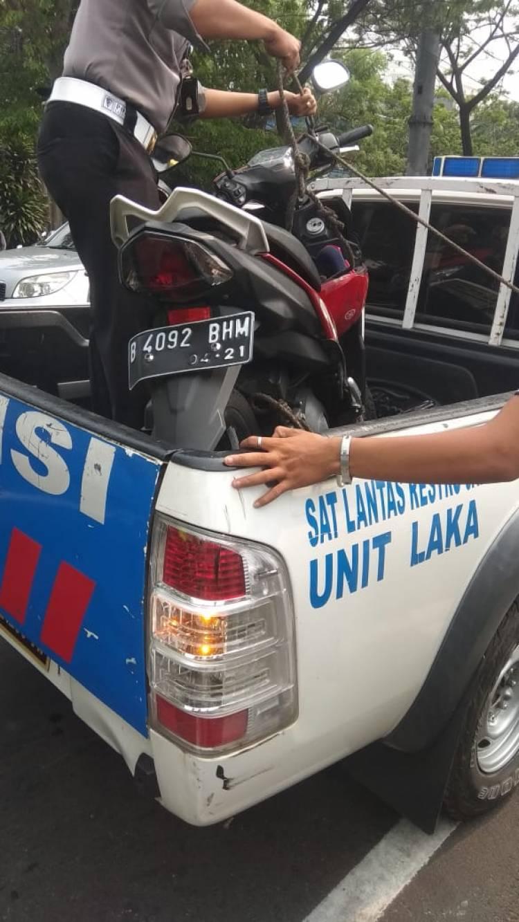 Gadis Korban Perampasan Tewas Terjatuh Dari Sepeda Motor