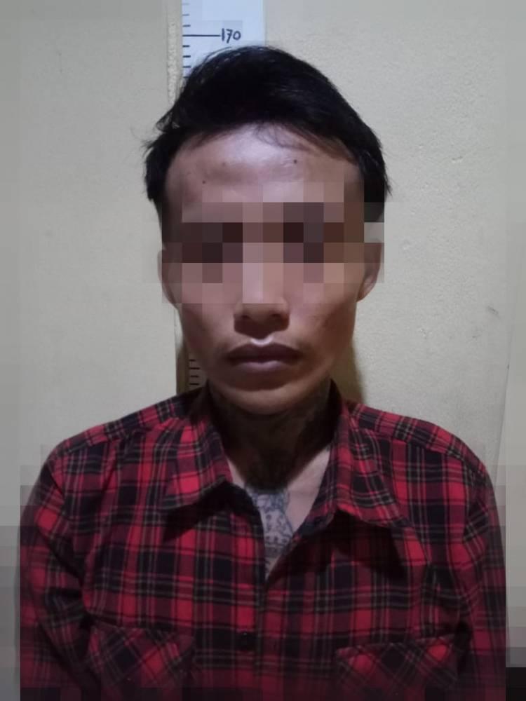 Berlagak Mau Ajak Kencan Waria Ambruk Ditikam Penjahat