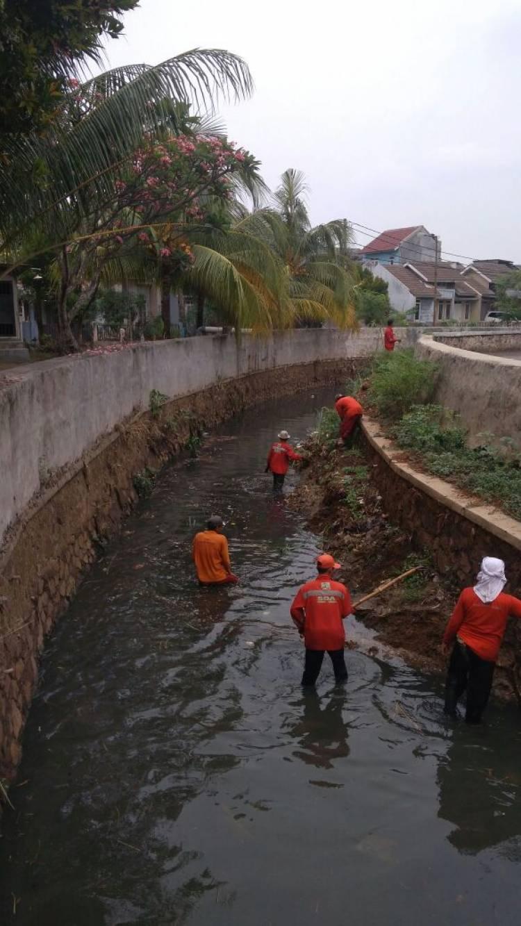 Kebut Drainase, DPU Tangsel Bersiap Hadapi Musim Hujan
