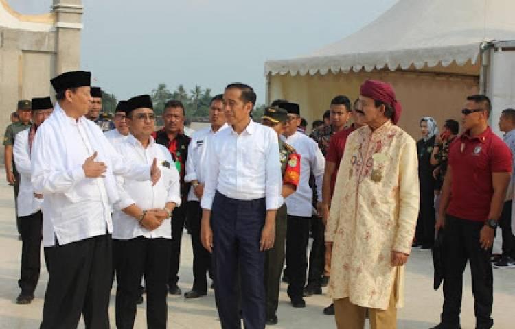 Jokowi Kesengsem Banten Lama, Pemerintah Pusat Akan Bantu Anggaran