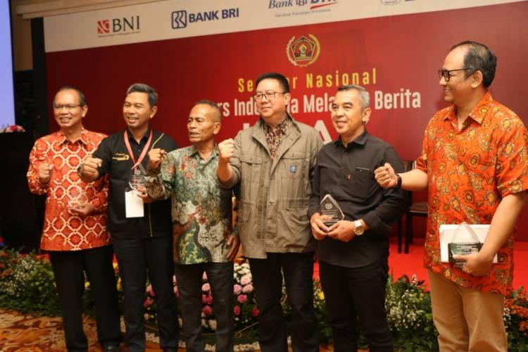 Pers Indonesia Melawan Berita Hoax