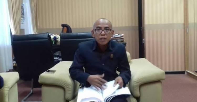 Anggota DPRD Rajin Bolos, Banyak Raperda Telat Diketok