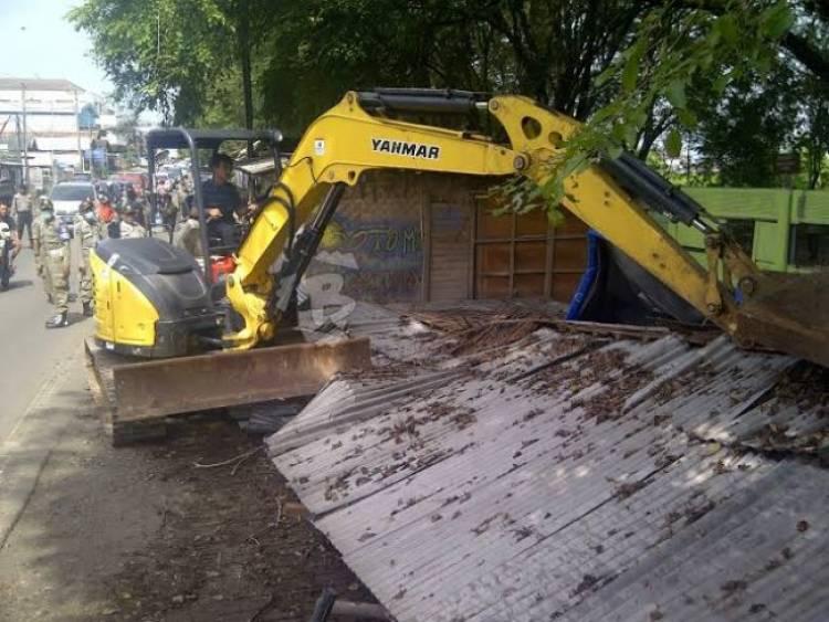 Gubernur Banten Akan Buldoser Hotel di Pinggir Pantai Anyer