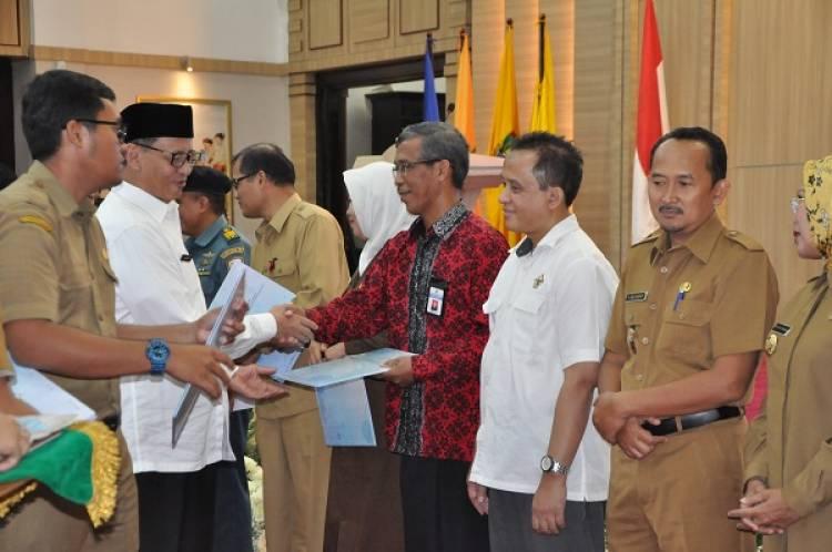Gubernur Banten Bagi-bagi Duit, Ingatkan untuk Kepentingan Masyarakat