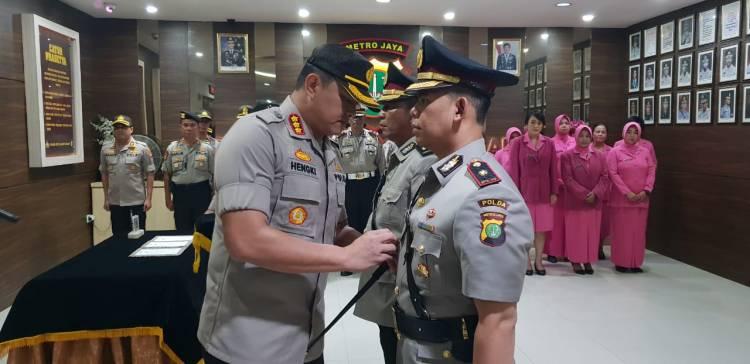 Kapolres Metro Jakarta Barat Lantik Kapolsek Kembangan