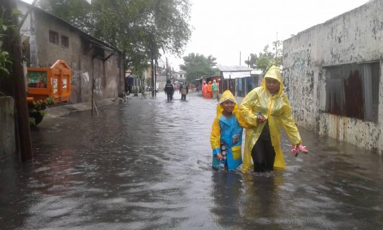 Mau Gerebek Nyamuk, Wawako Jakbar Disambut Banjir